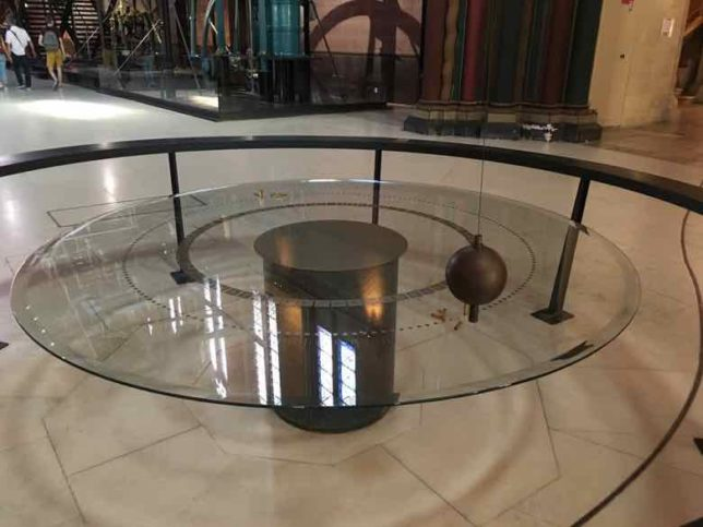 Foucault pendulum-Arts et Metiers Museum (J. Chung)