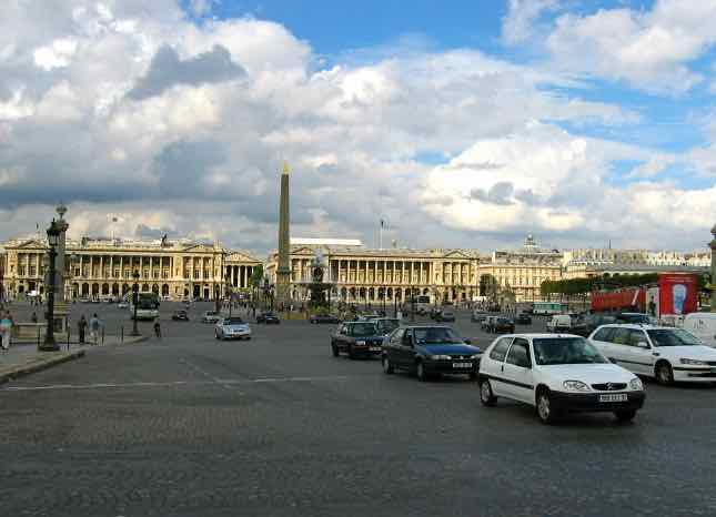 Place de la Concorde Paris-Benefits of leasing a car in France (J. Chung)