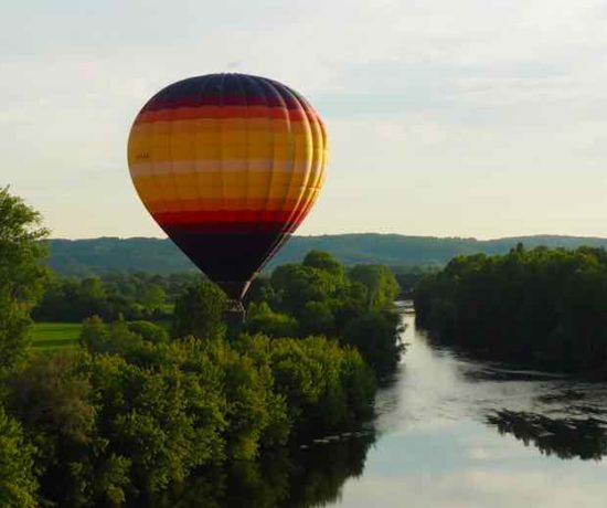 Hot air balloon in the Dordogne-Perigord (J. Chung)
