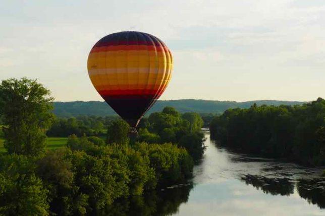 Hot air balloon in the Dordogne-Perigord (J. Chung)