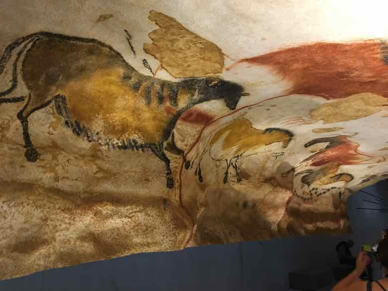 Cave painting 1-Lascaux IV (J. Chung)