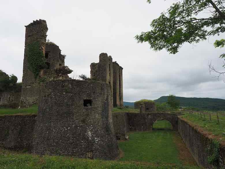 Chateau de Lagarde (J. Chung)
