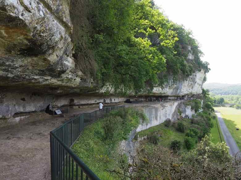 Terrace-La Roque Saint-Christophe 1 (J. Chung)