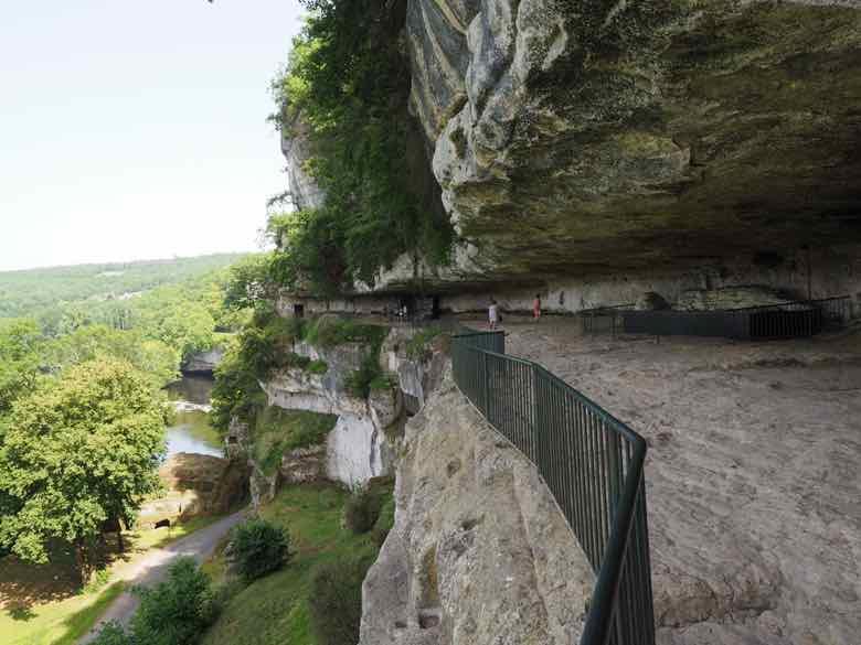 Terrace-La Roque Saint-Christophe (J. Chung)