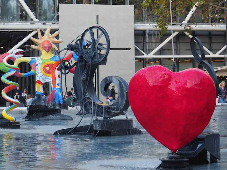 Heart, Stravinsky Fountain Paris (J. Chung)