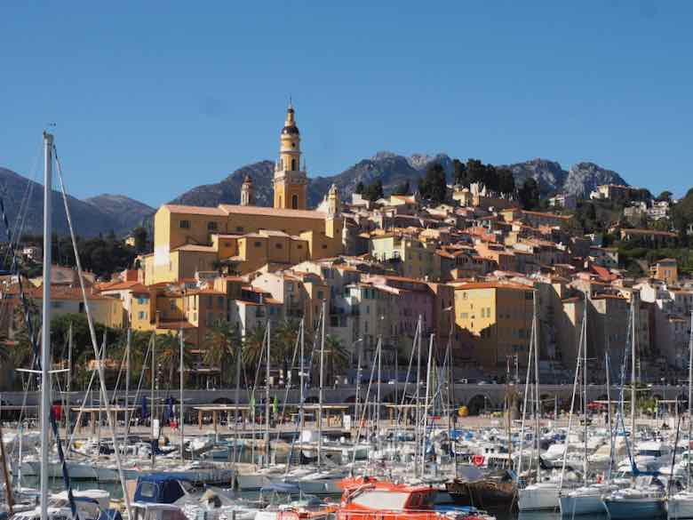 Menton town and harbour (J. Chung)