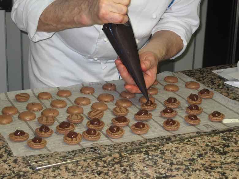 Making macarons at Cordon Bleu (J. Chung)