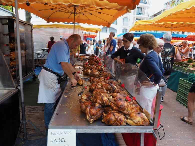 Sunday market in Arcachon (J. Chung)