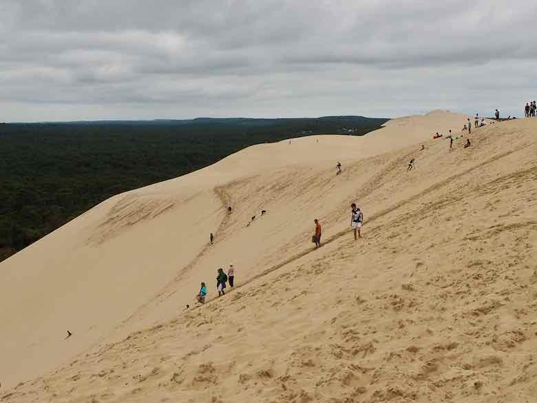 Climbing Dune du Pilat (J. Chung)