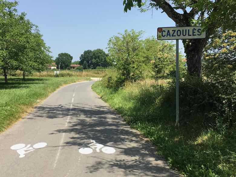 Entering Cazoules (J. Chung)