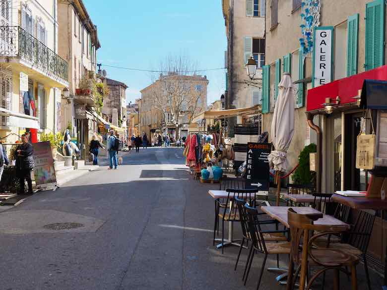 Medieval town of Biot (J. Chung)