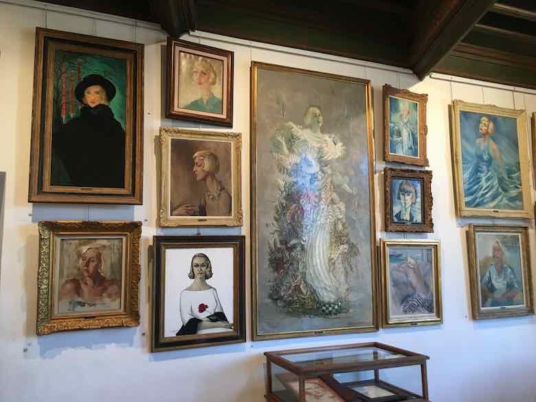 Portraits of Suzy Solidor-Chateau Grimaldi (J. Chung)