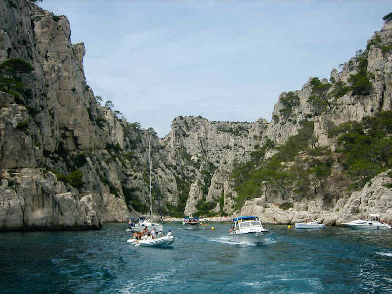 Cruising the calanques by boat