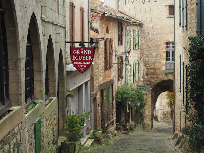 Cordes-sur-Ciel (J. Chung)